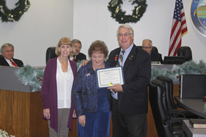 Chamber President Recognizes Outgoing Mayor